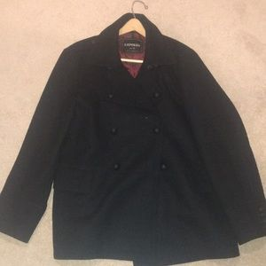 This is a men's pea coat, it has never been worn.